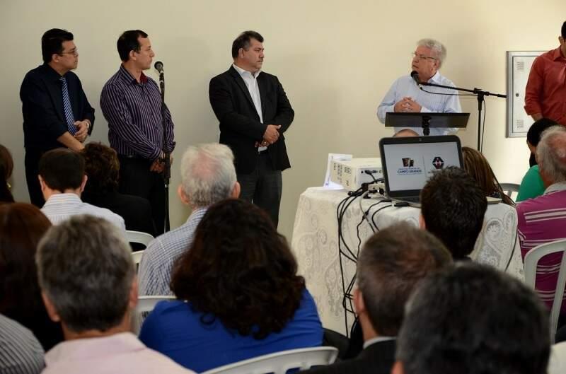 Encontro foi realizado em incubadora que fica no Estrela Dalva. (Foto:Divulgação/Prefeitura)