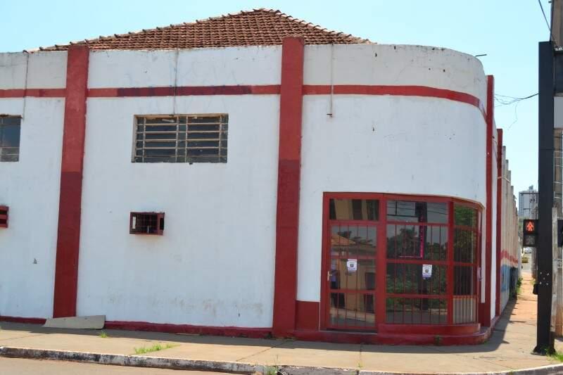 Escola de samba segue interditada desde novembro.