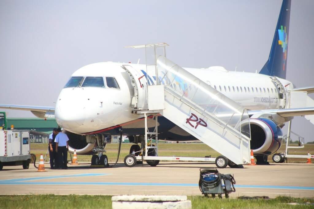 Aeronave da Azul no Aeroporto de Campo Grande (Foto: Marcos Ermínio)