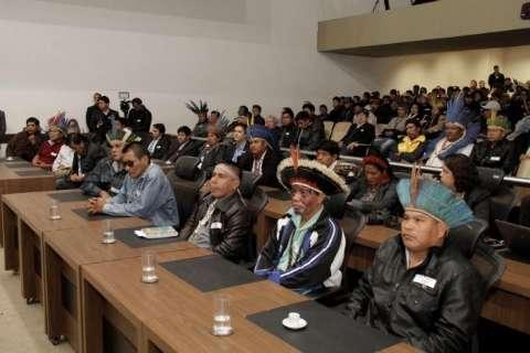 Deputados apresentam projetos para melhorar condições de indígenas