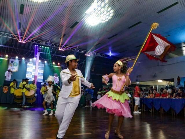Festa tomou conta do salão e escolas prometem Carnaval ainda mais animado. (Foto: Kísie Ainoã)