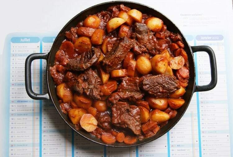 Boeuf Bourguignon é um prato tradicional da França