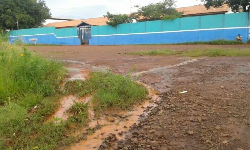 Escola Estadual Prof.Tereza Noronha de Carvalho no Parque Lageado. (Foto: Direto das ruas)