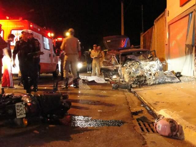 Acidente matou um e deixou três gravemente feridos. (Foto: Lucimar Couto)