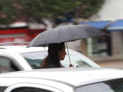 Chuva de 31 milímetros traz primeiro friozinho do ano na Capital