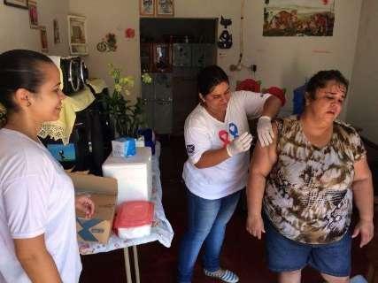Após enchente, moradores de Aquidauana recebem vacinas e cestas básica