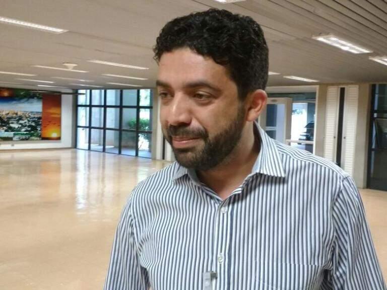 Ulisses Rocha em entrevista ao Campo Grande News na manhã desta quinta-feira (Foto: Leonardo Rocha)