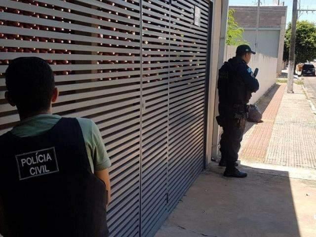 Gerente de agência dos Correios é mantido refém durante assalto