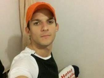 Pedro Guilherme Teodoro, tinha 24 anos e morreu ontem (24) no HU. (Foto: Arquivo Pessoal / Reprodução Facebook)