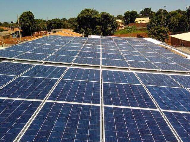 Placas solares geram energia durante o dia que retorna para o cliente como bônus durante a noite (Foto: divulgação / Solar Energy)
