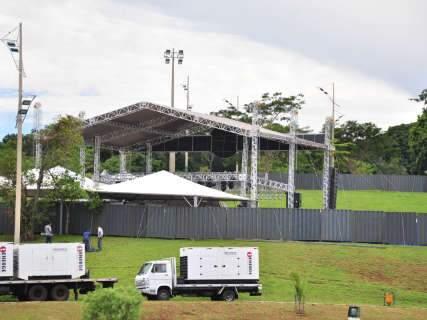 Com estrutura preparada, rádio espera público de 30 mil pessoas em festa no Parque das Nações