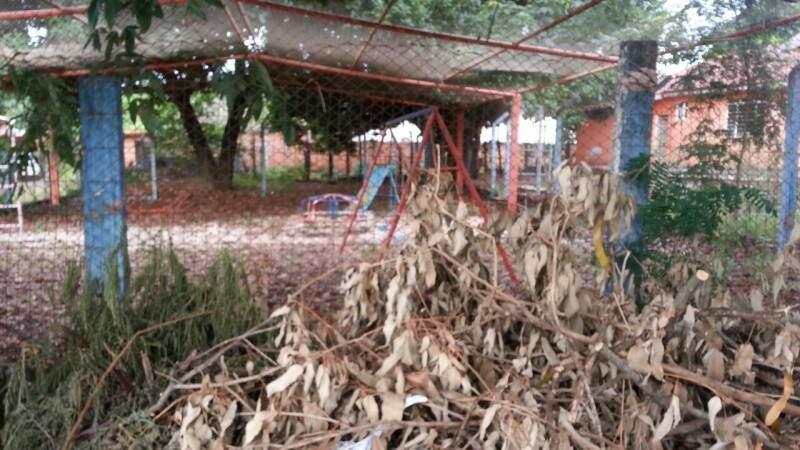 Ceinf  desativado vira abrigo para usuários de drogas no Maria Aparecida Pedrossian (Foto: Direto das ruas)