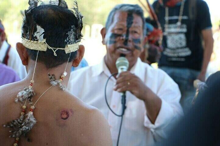 Indígenas falam que se for preciso vão morrer e também matar pela terra deles (Foto: Helio de Freitas)