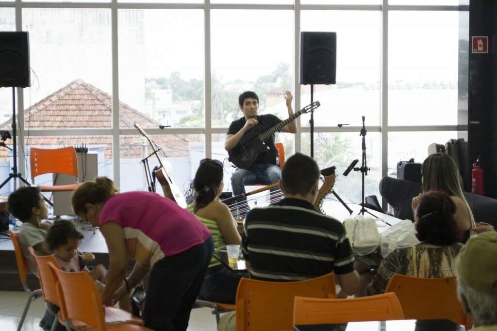 Música ao vivo no Shopping Estação (Foto: Divulgação)