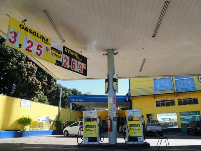 Gasolina pode ser encontrada a R$ 3,25 na Capital (Foto: Alcides Neto)