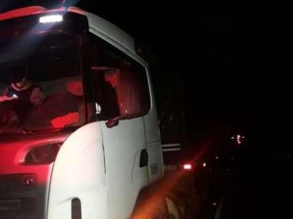 Motorista cai em falso frete, vira refém e golpe é descoberto por rastreador