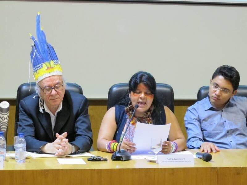À esquerda o jurista e professor Boaventura de Sousa Santos e à direita o advogado Luiz Henrique Eloy. (Divulgação)