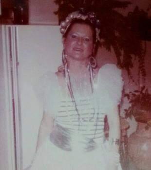 Lúcia no Carnaval de 1985. (Foto: Arquivo Pessoal)