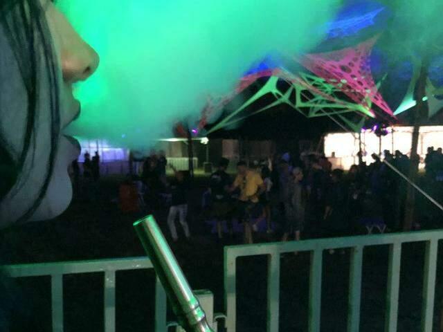 Febre em festas da cidade, narguile chegou até em baile rave