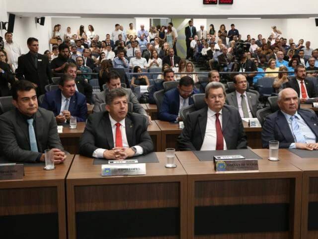 Deputados durante a abertura do ano legislativo, na solenidade de ontem (05), na Assembleia (Foto: Assessoria/ALMS)