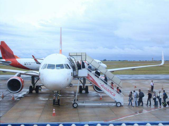Passageiros embarcam no Aeroporto da Capital. Movimento cresceu em maio (Foto: Marina Pacheco)