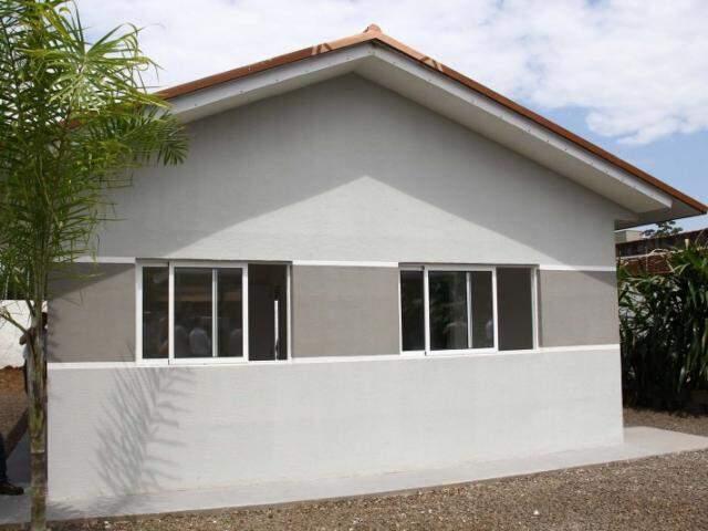 A casa modelo já foi erguida no bairro São Lourenço, com 44m². (Foto: Marcos Ermínio)