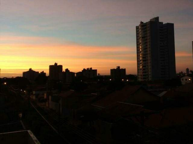Manhã com céu parcialmente nublado em Campo Grande e mínima de 20ºC. (Foto: André Bittar)