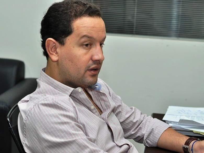 Waltar Carneiro Júnior, ainda secretário de Fazenda de Dourados, em entrevista (Foto: A . Frota/Divulgação)