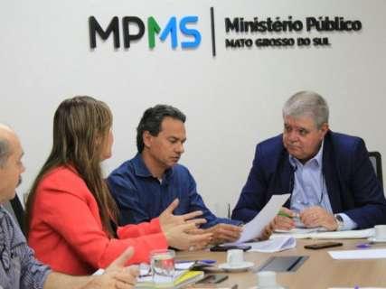 Em reunião no MPE, ministro promete 10 novas ambulâncias para Capital