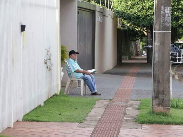Na mesma casa desde 1987, Luiz trabalha até às 4h da madrugada.