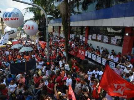 Defesa entra com novo recurso no STF para tentar evitar prisão de Lula