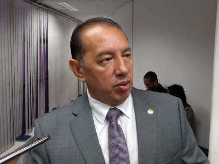 Deputados esperam acordo com procuradores para mudar texto de emenda