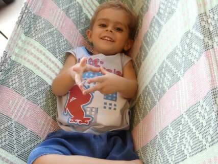 Família ganha site para receber doações e comprar medicamento de Filipe