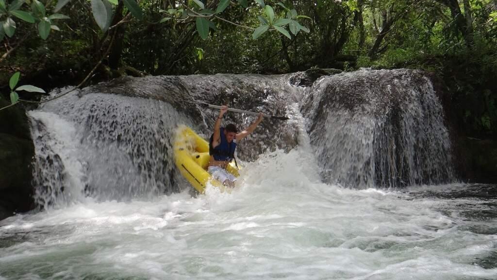 Rafting é um dos vários esportes de aventura praticados em Bonito (Foto: Assessoria/Divulgação)