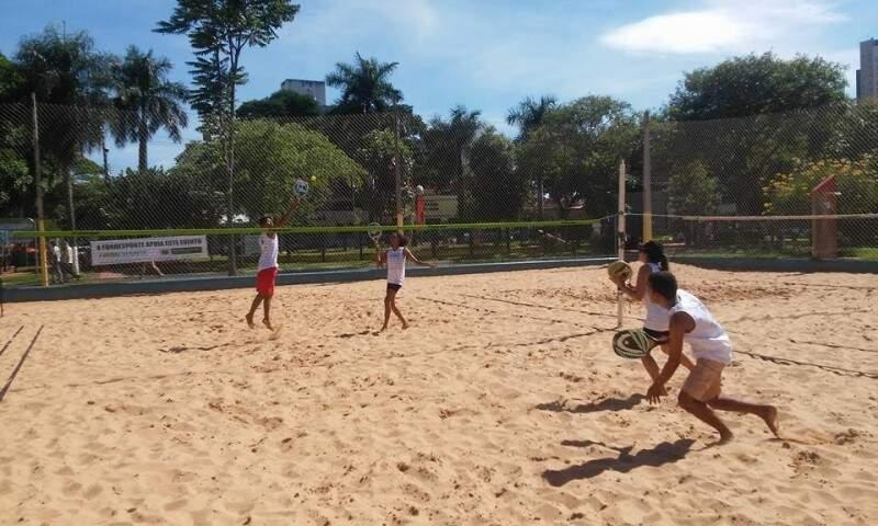 Duplas mistas disputaram 1º lugar nas areia do Belmar Fidalgo. (Foto: Divulgação)
