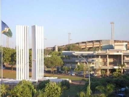UFMS abre processo seletivo para professor com salário de até R$ 6,2 mil