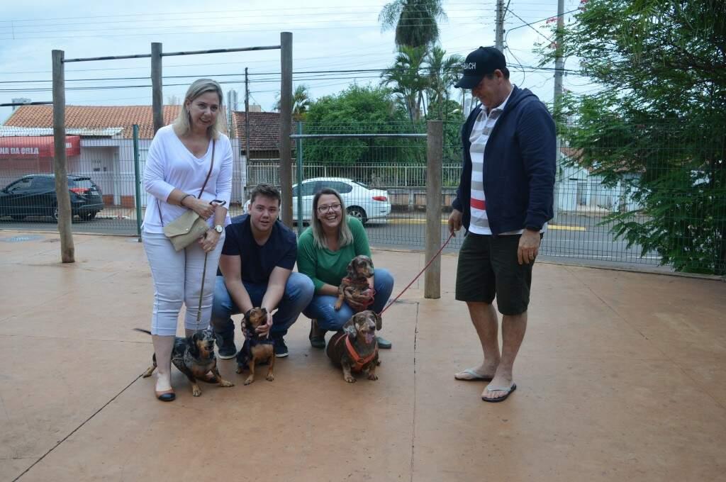 Bela, Thor, Nina e Maria Cristina. Família veio completa e em peso para o encontro. (Foto: Thaís Pimenta)