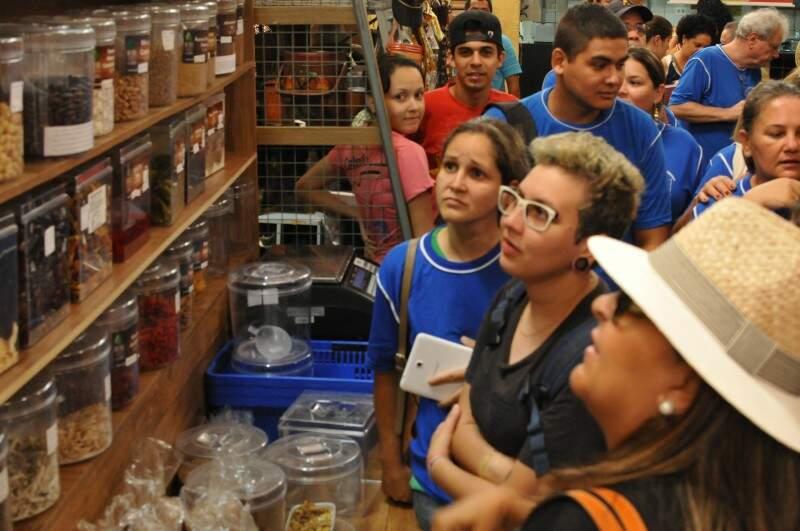 A aula agitou o Mercado Municipal. (Foto: Alcides Neto)