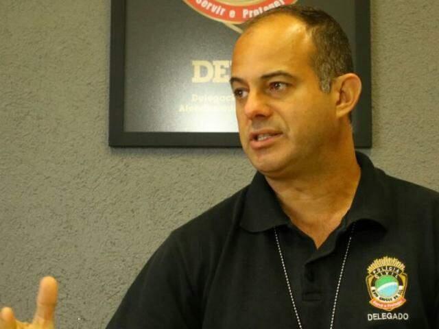 Segundo o delegado Hoffman D'ávilla o suspeito assumiu o tráfico (Foto: André Bittar)