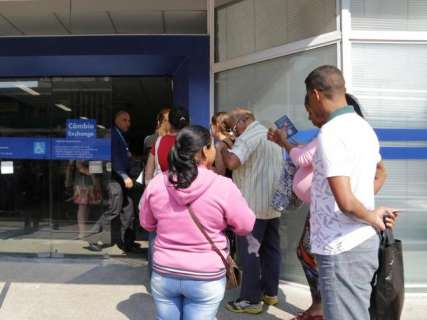 Presidente sanciona nova lei do FGTS  e limite do saque sobe para R$ 998
