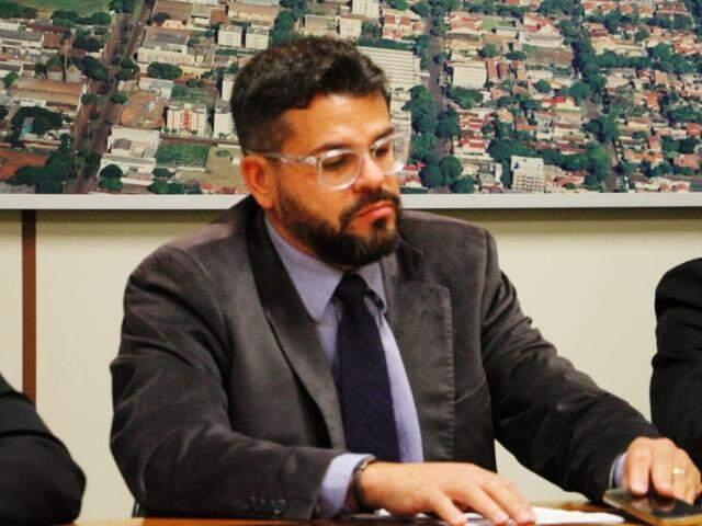 Vereador Mauricio Lemes Soares, relator da comissão processante contra Denize Portolann (Foto: Helio de Freitas)