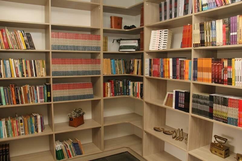 Tem até livraria. (Foto: Marcos Ermínio)