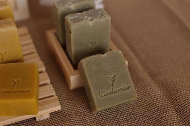 Para cuidar da pele dos filhos, Renata criou marca de sabonetes e creme veganos