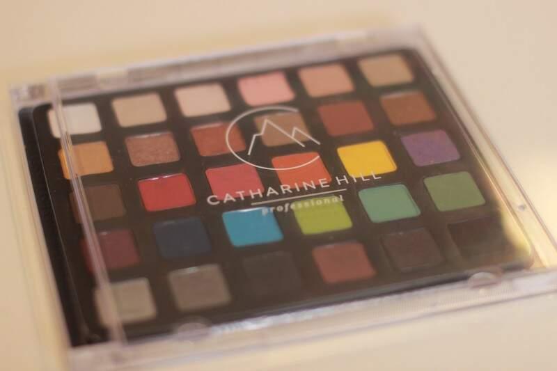 Store oferece a marca Catharine Hill, a única maquiagem profissional do País. (Foto: Fernando Antunes)
