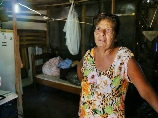 Teresa de Araújo ainda aguarda remoção da Cidade Deus. (Foto: Fernando Antunes)