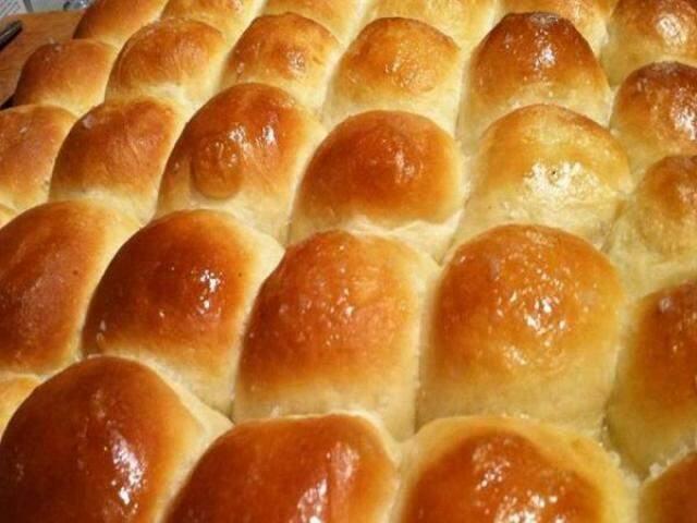 Pão caseiro na versão doce e salgada.