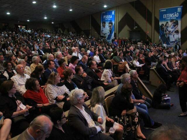 Audiência pública será realizada no Teatro Glauce Rocha, dentro do campus da UFMS (Foto: Marina Pacheco)