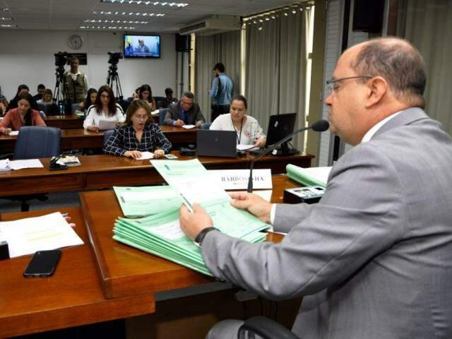 Deputados que integram a CCJR aprovaram texto da LOA 2020 durante reunião desta quarta (Foto: Luciana Nassar/ALMS)