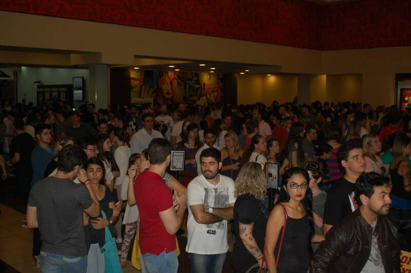 O Cinemark disponibilizou cinco salas para o filme e isso lotou o cinema