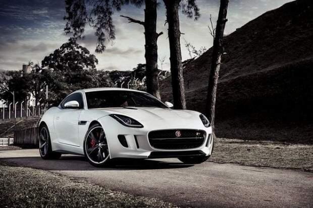 Jaguar lança F-Type coupé no Brasil